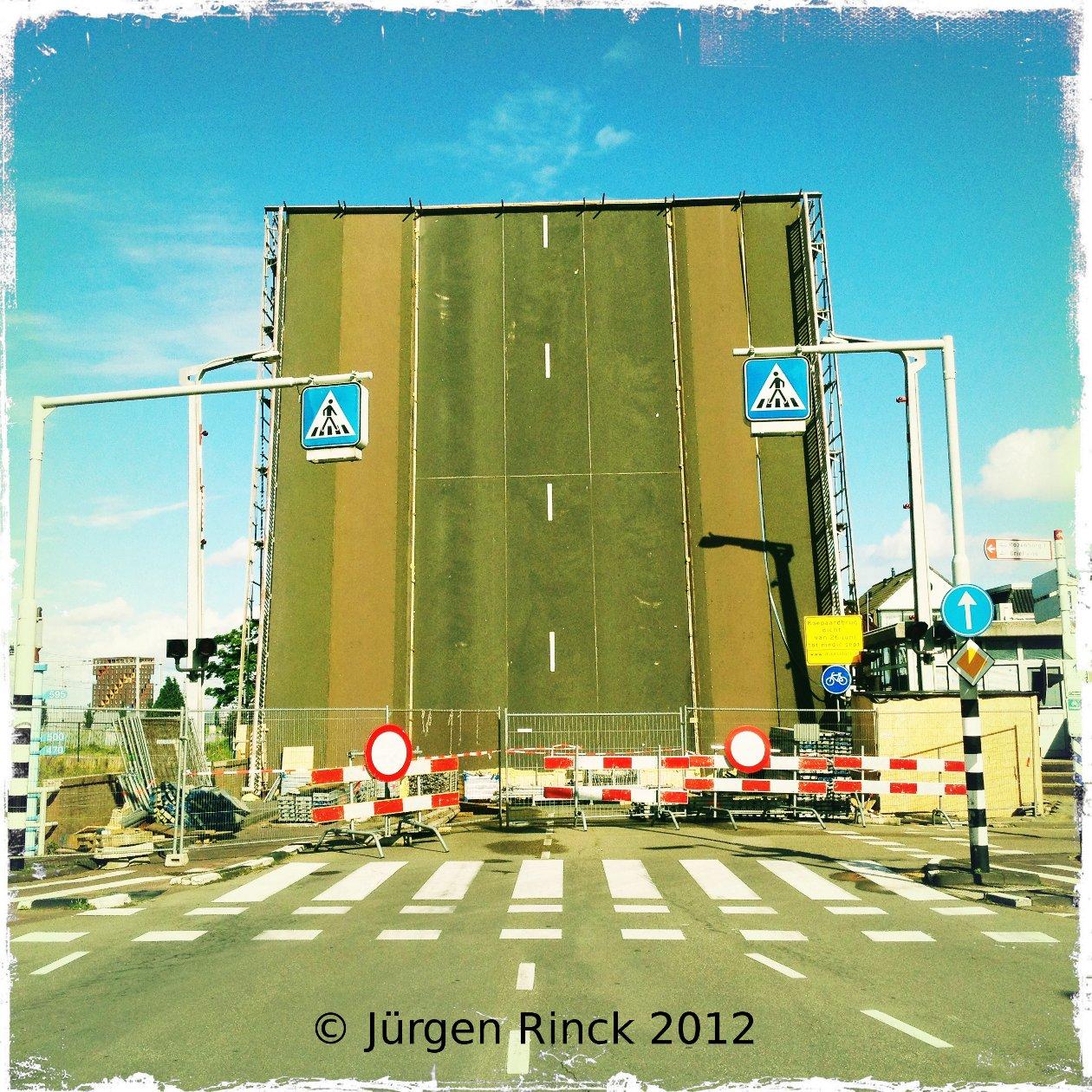 Senkrechtstraße